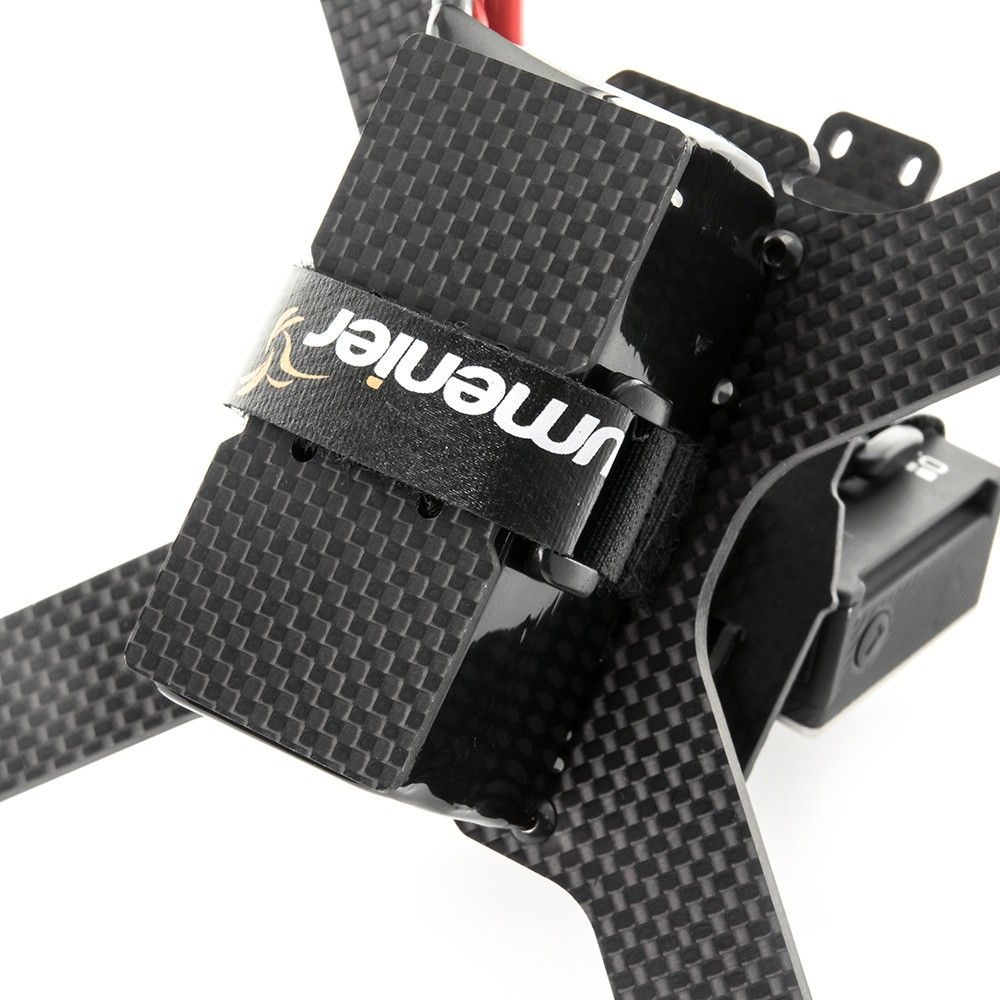 A 1.5mm carbon fiber battery protector plate is included.